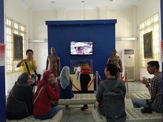 IMG 20171015 105015 - #JalanAkhirPekan: Ikut Picnichild, Jalan dari Gedung Joeang 45 Hingga ke Museum A.H. Nasution